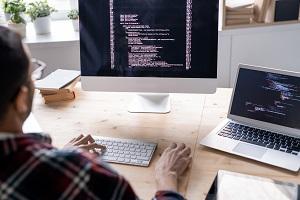 Membandingkan Cloud Dan VPS Hosting: Mana Yang Lebih Menguntungkan